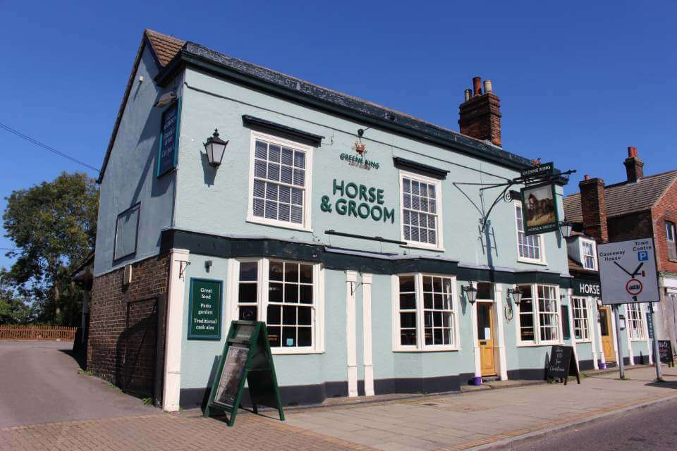 horse & groom braintree dog friendly